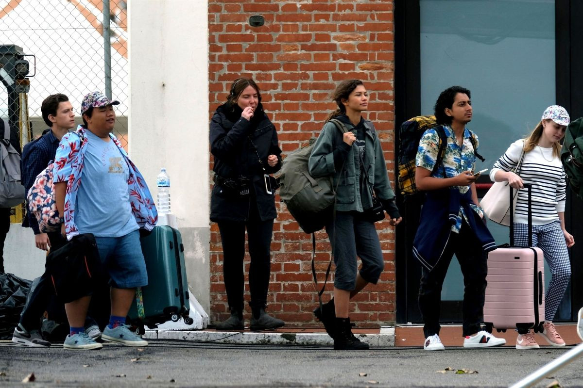 Zendaya Tom Holland On The Set Of Spider Man Far From Home In