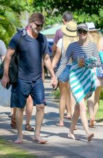 Anna Faris On vacation in Maui