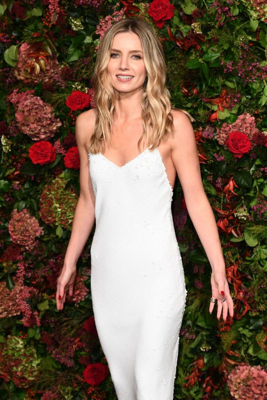 Annabelle Wallis At Evening Standard Theatre Awards 2018 in London