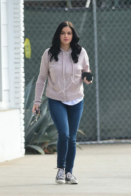 Ariel Winter Goes to the salon for an early morning style session in Los Angeles