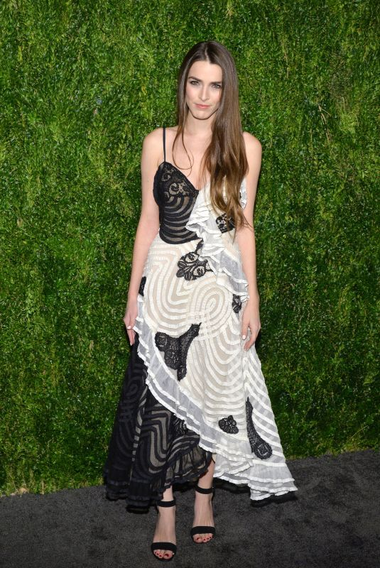 Bee Shaffer At 15th Annual CFDA Vogue Fashion Fund Awards, Ceremony, New York