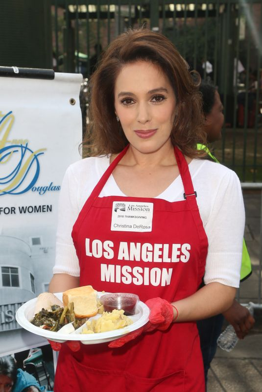 Christina DeRosa At Los Angeles Mission Thanksgiving Meal for the Homeless