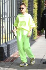 Hailey Baldwin Arriving at the Nine Zero One salon in West Hollywood