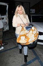 Hilary Duff Sporting a new blonde hairdo from Nine Zero One salon in West Hollywood