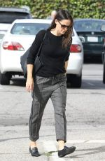 Jennifer Garner Arrives for Sunday church services in the Pacific Palisades