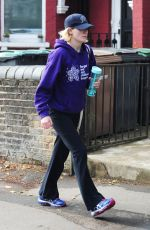 Jodie Whittaker Rocking a very casual look while out shopping at Planet Organic in London