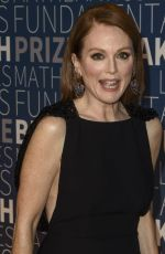 Julianne Moore At 2019 Breakthrough Prize at NASA Ames Research Center in Mountain View