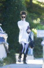 Kate Beckinsale Goes to a painting class in Westwood
