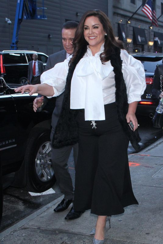 Katy Mixon At GMA Day promoting the new season of American Housewife in New York