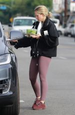 Kristen Bell Hits the gym in Los Feliz