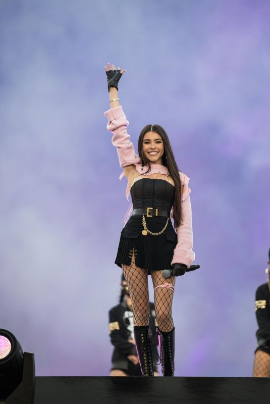 Madison Beer At Opening Ceremony at the 2018 League of Legends World Championship Finals in Incheon, South Korea