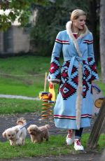 Michelle Hunziker With her dog Lilly in Milan