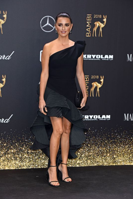 Penélope Cruz At 70th Annual Bambi Awards in Berlin