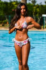 Shelby Tribble Flaunts Her Amazing Bikini Body After Pete Wicks Split