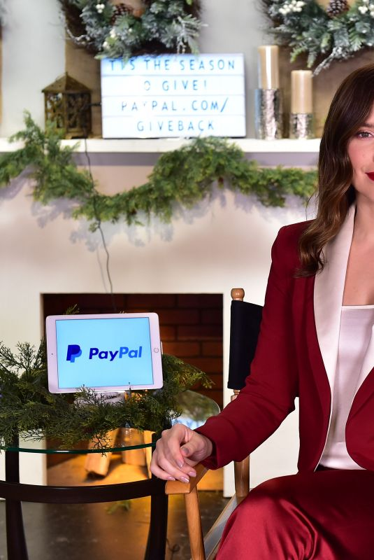 Sophia Bush Joined PayPal in support of the Giving Tuesday Movement, Los Angeles