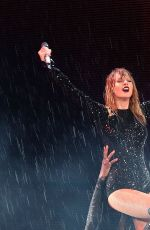 Taylor Swift Performs at her Reputation Tour in Sydney
