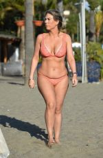 Frankie Essex Shows off her recent weight gain while enjoying a sunshine break in Tenerife