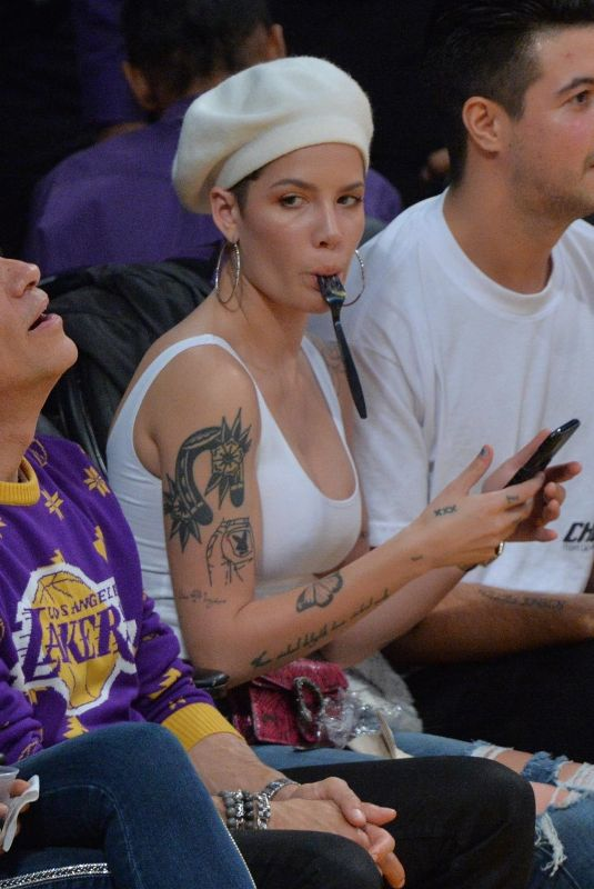 Halsey Watch Lakers game at the Staples Center in Los Angeles