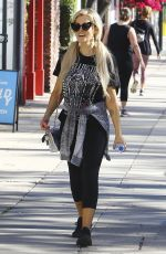 Holly Madison Out and about, Los Angeles