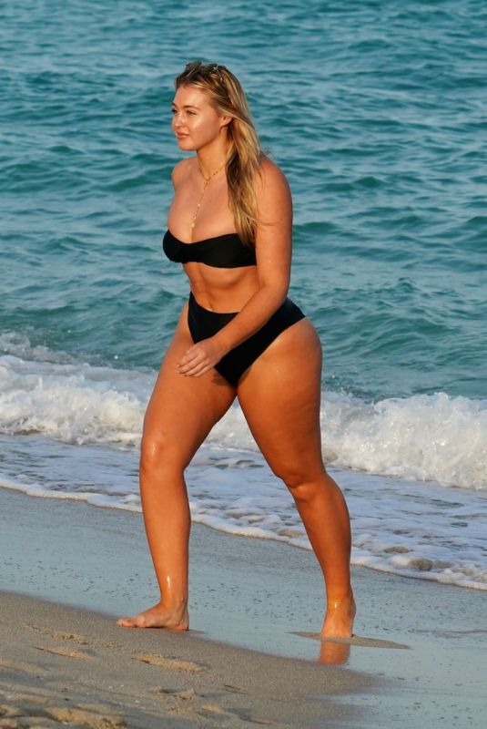 Iskra Lawrence Enjoying another day at the beach