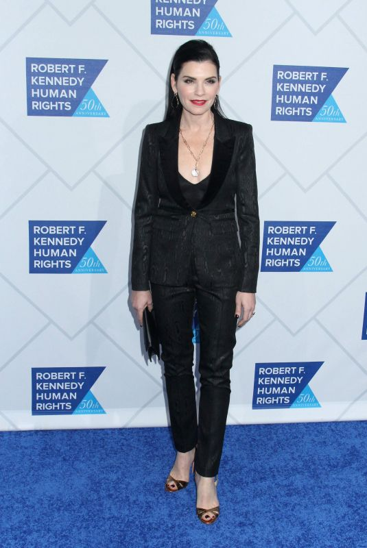Julianna Margulies At 2018 ripple of hope awards at NY