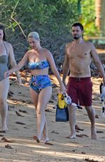 Katy Perry On the beach in Hawaii