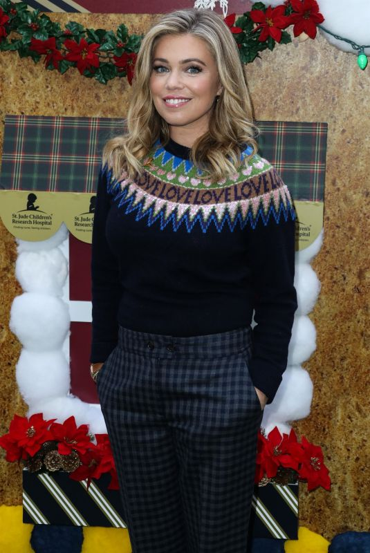 Lauren Sivan At Brooks Brothers holiday celebration, Los Angeles