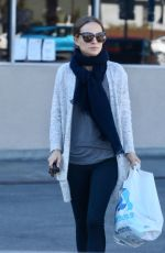 Natalie Portman Out for grocery shopping in Los Angeles