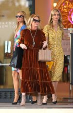 Paris Hilton, Nicky Hilton and their mom Kathy Hilton do some last minute Christmas shopping at Barneys