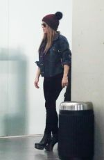 Shakira At the airport in Barcelona