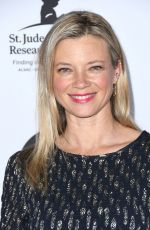 Amy Smart At LA Art Show Opening Night Gala