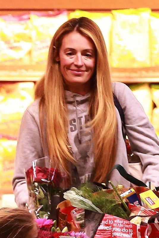 Cat Deeley Stops by Whole Foods for some groceries in Beverly Hills