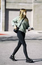 Elizabeth Olsen Leaving a gym in Los Angeles