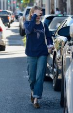 Emma Roberts Stops to pick up an iced coffee at a Coffee Bean & Tea Leaf in Beverly Hills