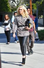 Gwen Stefani Heads to church in Los Angeles