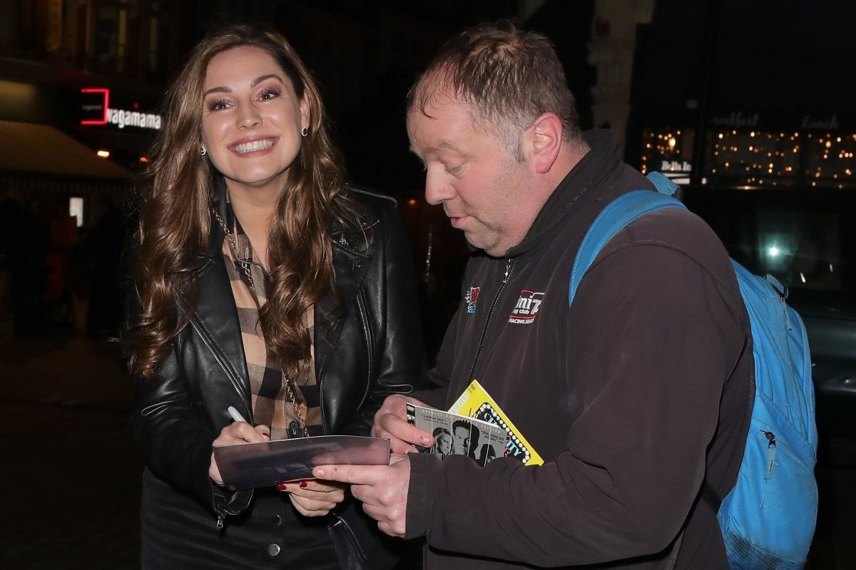 Kelly Brook Leaving Global Radio after her Heart FM Drive