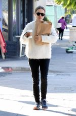 Natalie Portman Shopping in Los Feliz