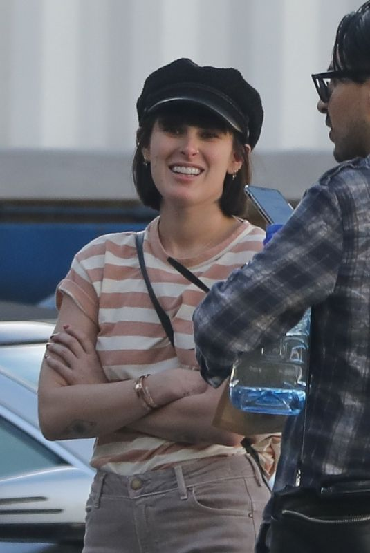 Rumer Willis Is looking sassy and stylish in West Hollywood