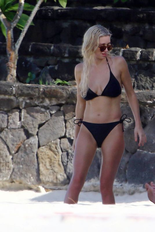 Una Healy and new boyfriend David Breen On their first holiday away together as a couple in Mauritius