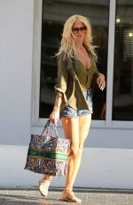Victoria Silvstedt Shopping in Miami