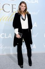 Angela Lindvall At 2019 Hollywood For Science Gala Los Angeles