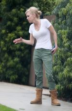 Anna Faris Out in Los Angeles