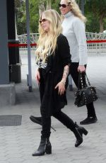Avril Lavigne Makes an appearance on Extra in Universal City