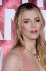 "Betty Gilpin At premiere of ""Isn"