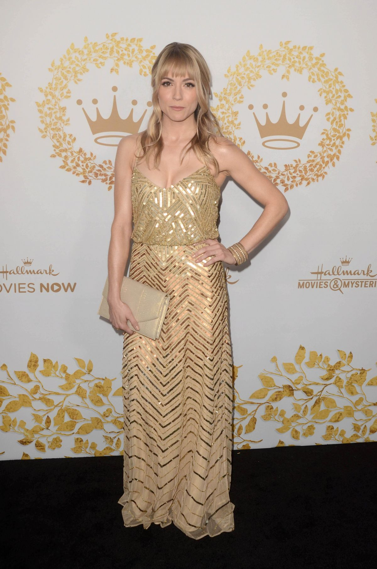 brooke nevin at hallmark movies mysteries 2019 winter tca tour in pasadena celebzz. Black Bedroom Furniture Sets. Home Design Ideas