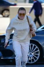 Dakota Fanning Out for lunch at Joan