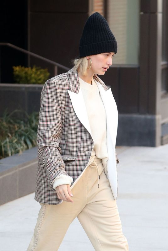 Hailey Baldwin Out in NYC