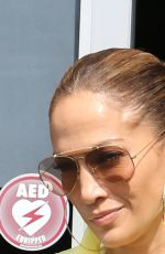 Jennifer Lopez Wraps up her Friday workout at her gym in Miami