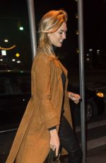 Karlie Kloss Arriving at the wrong restaurant for dinner in NYC