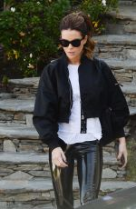 Kate Beckinsale Wraps up a workout in Los Angeles